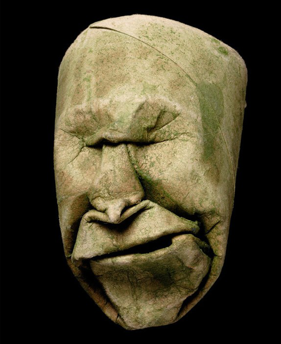 Thatrical Old Man Faces Made From Toilet Paper Rolls 6